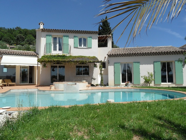 rose adrech villa in provence