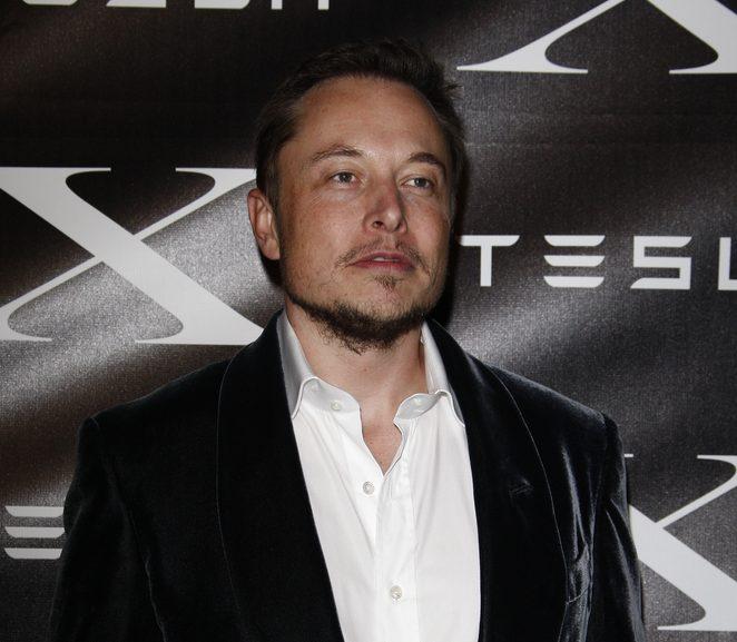 Elon Musk social influencer